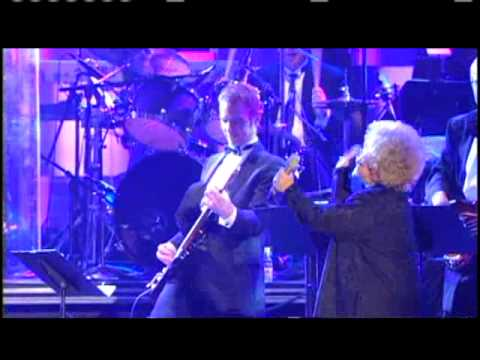 Brenda Lee performs Rock and Roll Hall of Fame Inductions 2002