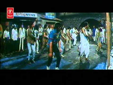 Rehne Ko Ghar Nahin (Full Song) Film - Sadak