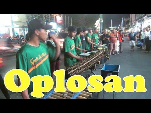 Oplosan - Angklung Malioboro (Pengamen Jogja) Lihat Lebih Dekat