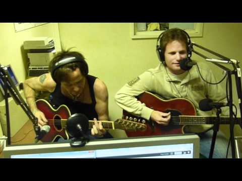 Ben Williams and Brian Robertson - Mrs Robinson (Phoenix FM session)