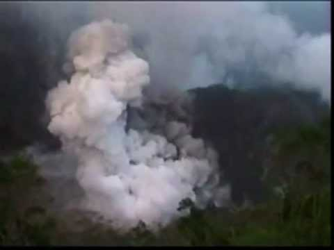 The scary Gunung Kelud (Magmato phreatic eruptions)