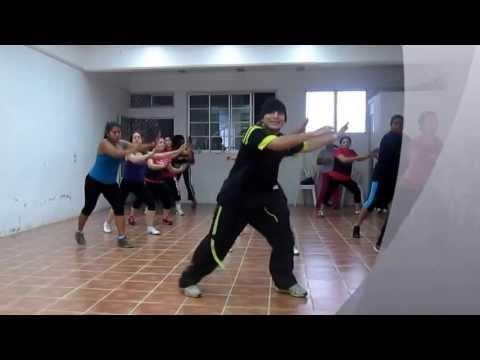 Zumba Hector Dance  Mueve La Cadera video
