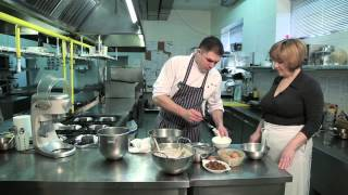 Play youtube video: Крем-брюле Вкусная выпечка