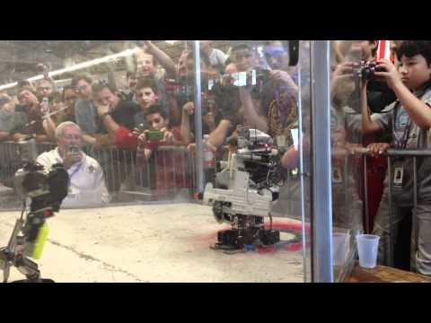The most Awesome Epic Robot fight to the Death, Che Vs. Shibata, Robogames 2012:MechWarfare Hardcore