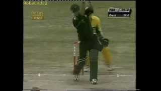 Young Misbah Ul Haq humiliates Shane Warne 2002 EPIC SIX ATTACK!