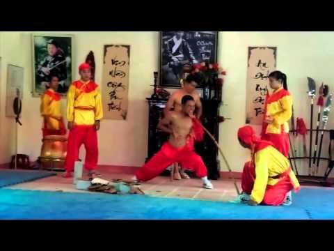 Lạnh gáy với màn biểu diễn võ thuật