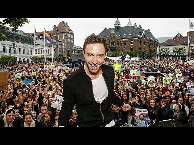 """Suède : retour en """"héros"""" de Måns Zelmerlöw, vainqueur de l'Eurovision"""