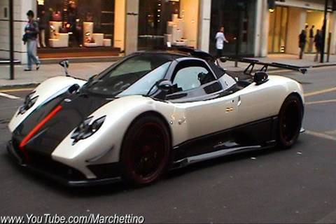 Pagani Zonda Cinque CRAZY Sound!! Start, Rev, Accelerations