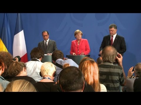 Hollande, Merkel, Poroshenko discuss Ukraine unrest