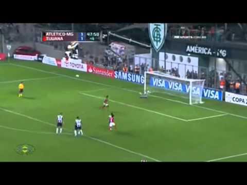 Victor salva no ultimo minuto (penalt) Atletico mg 1 x 1 Tijuana 31/05/2013