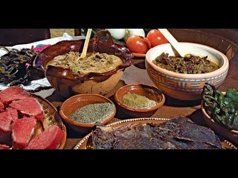 Delicias de la comida mexicana // Diferentes platillos de