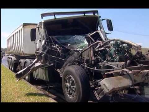 Acidente caminhão - 19/04/2010