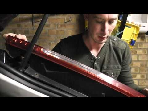 Ford Focus: Rear Light & Brake Light Bulb Change