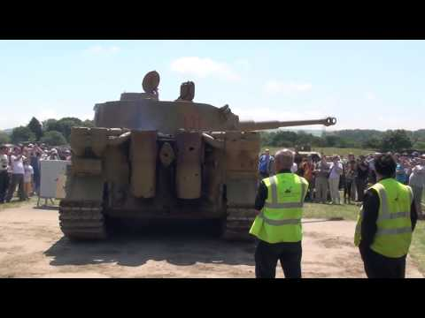 Tiger Tank Engine Sounds Maybach HL-230 & Turret Rotation.