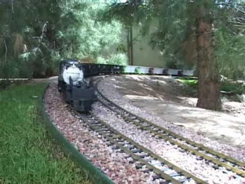 World's Longest G Scale Train with (1) locomotive!