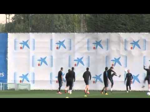 Neymar humiliates Luis Suarez with a great skill during the training