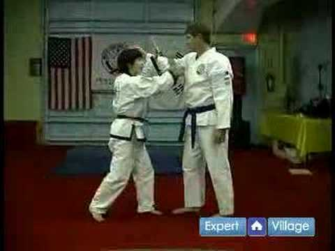 Tang Soo Do Korean Martial Arts : In-to-Out Block in Tang Soo Do Martial Arts Image 1