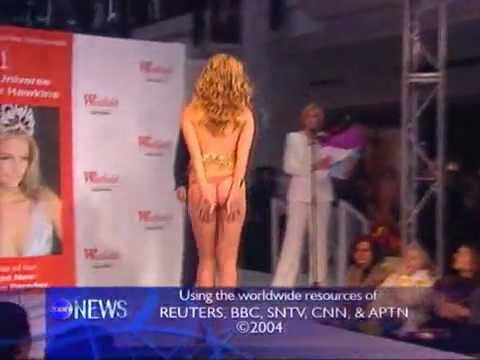 OOPS! Skirt Falls Down on catwalk Miss Univers Jennifer Hawkins.