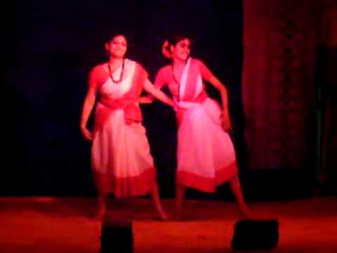 Fagunero mohonaye dance by Shinjana Das and Madhureeta Das