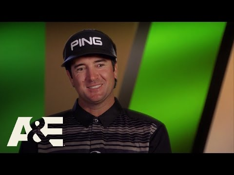 Wahlburgers: Mark Wahlberg Makes a Golf Bet with Bubba Watson (S5, E6) | A&E