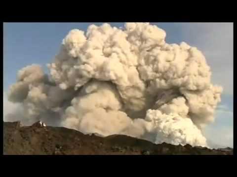 iceland volcano eruption 2010 eyjafjallajokull. Live Footage Iceland Volcano