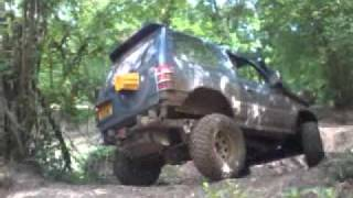 Mitsubishi Pajero - Steep Hill Climb And Near Roll - Off Road - Fourmarks