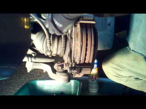 2005 Kia Sedona Brake OVERHAUL - Part 1 Removal