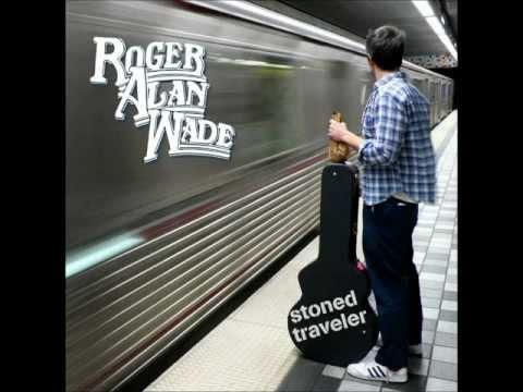 Roger Alan Wade - Bear Loves Honey