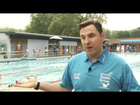 David Walliams takes a dip to launch new swimming challenge