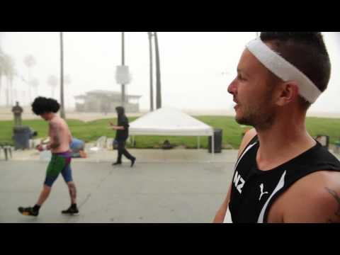 Sux To Be Jono - Sexy On Venice Beach | Jono And Ben At Ten video