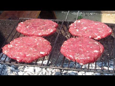 ГАМБУРГЕР на Мангале / Как приготовить Бургер на Гриле!