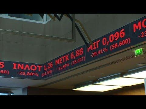 Grèce: la Bourse chute de 16% le jour de sa réouverture