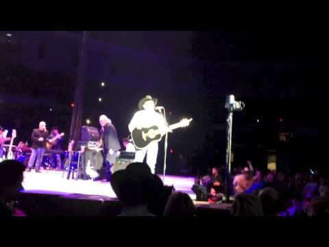 """George Strait San Diego 2014 - """"View in Full Screen mode"""""""