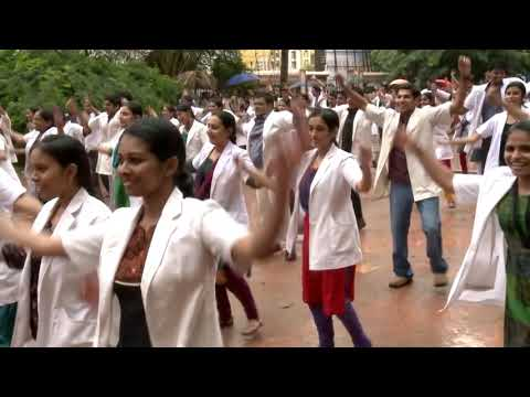 DOCTORS' FLASH MOB in Thrissur by Kronoz