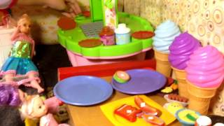 Elsya new Outfits !!E lsa and Anna Toddlers Eat Barbecue with Dolls Barbie Kids Chelsea