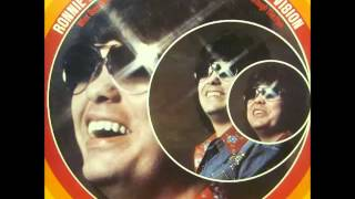 Watch Ronnie Milsap I Got Home Just In Time To Say Goodbye video