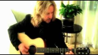 Tommy Shaw and Taylor Guitars' GS Mini