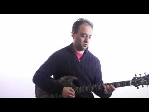 Easy Blues Guitar Lick in A - Blues Guitar Lesson