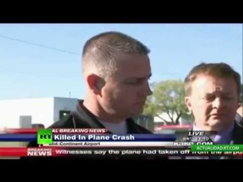 EN VIVO: Un avión se estrella contra un edificio aeroportuario en EE.UU.