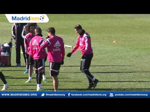 Cristiano Ronaldo Goes Stir Crazy in Training