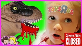 Toys R Us - FINAL SHOPPING SPREE - Real Life Kids Reageren!