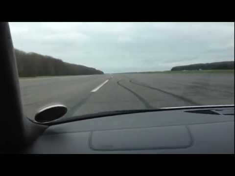 Audi R8 V10 vs Nissan GT-R (VMax 200)