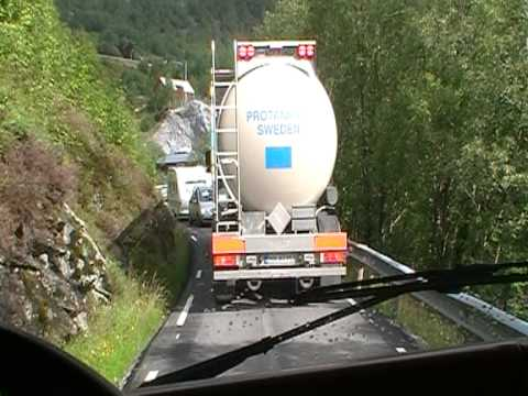 Volvo FH16 truck on a verry small road in Norway.