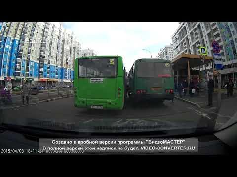Два автобуса не смогли разъехаться на остановке в Академическом
