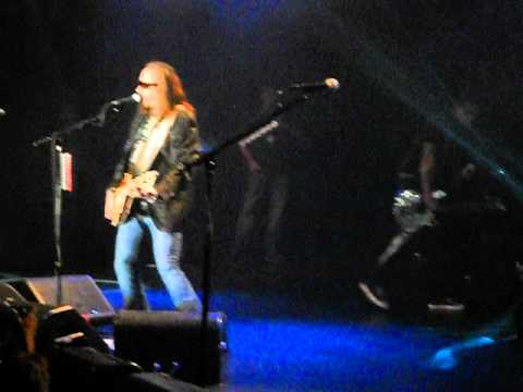 07/11/12 Ace Frehley @ Best Buy Theatre, NYC, NY (01 - Intro-Rip It Out)