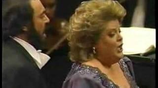 Luciano Pavarotti Video - Luciano Pavarotti and Deborah Voigt in Ballo in Maschera