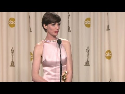 Raw Video: Anne Hathaway backstage at Oscars