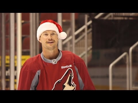 Happy 'Howl'idays From the Phoenix Coyotes