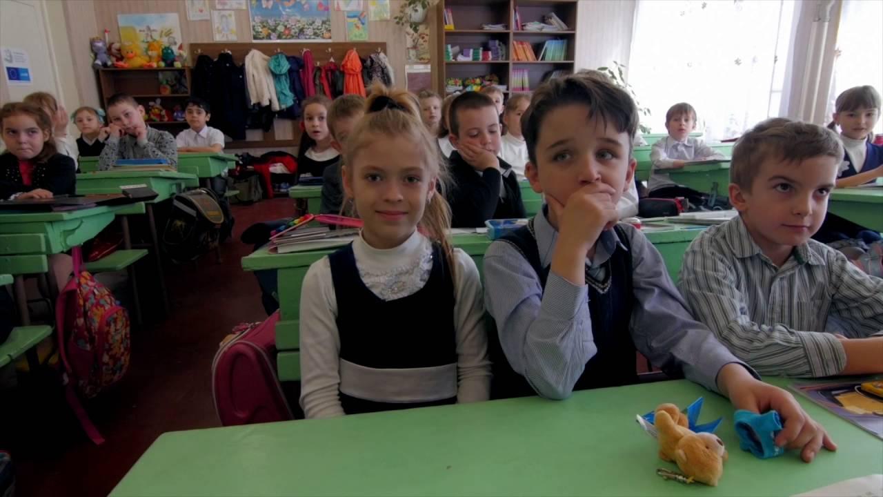 #EmergencyLessons: My school photo   UNICEF