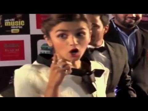 Alia Bhatt gets ANGRY when asked a GK QUESTION!